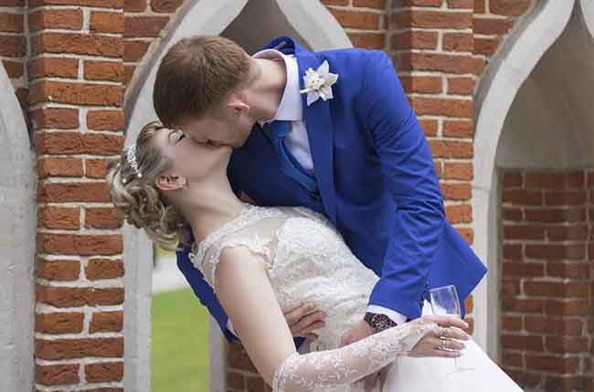 International Kissing Day 2021: Know 7 Crazy Facts About Kissing - Wish Happy Kissing Day With Quotes